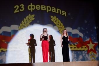 Артисты и творческие коллективы Центра культуры и досуга поздравили защитников Отечества